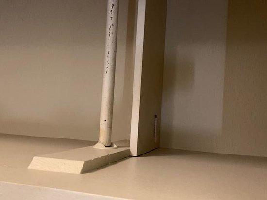Каньон-Лейк, Калифорния: syringe in closet