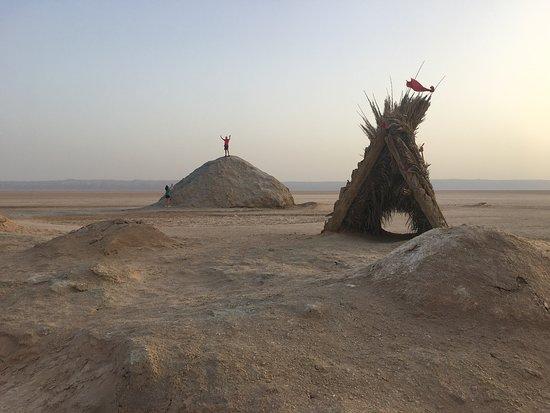 Chott El Djerid: Mundo insólito calor y frío,mar salado y seco, impresiona de ver.