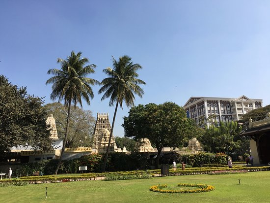 Tipu Sultan Fort and Palace - Bangalore KR Market: auf dem Areal