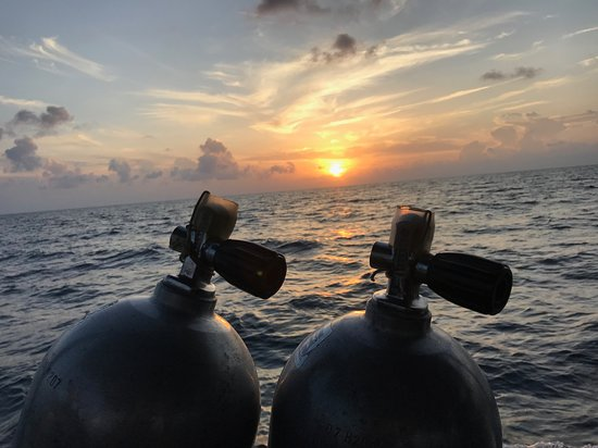 Sunset before the night dive