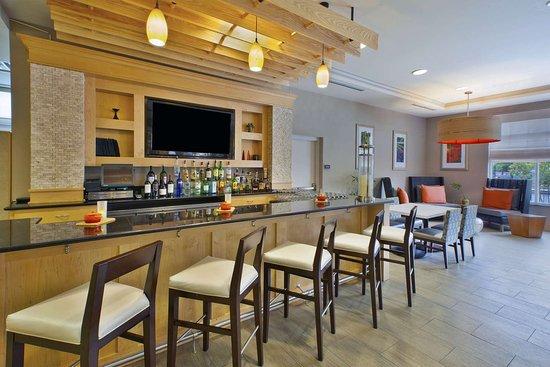 Hilton Garden Inn Toledo Perrysburg: BarLounge