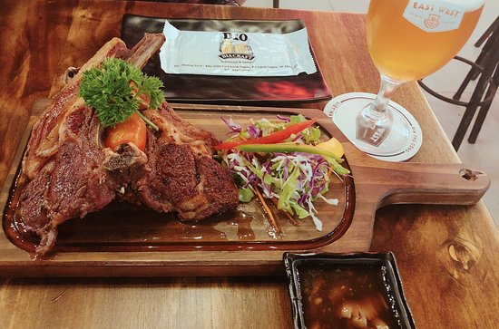 Thu Dau Mot, Vietnam: Lamp chops BBQ D10 Bia Craft and Summer Hefeweizen (ABV 5.9%, IBU=20)