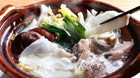 Uoman Gems Shinbashi: クエ鍋料理