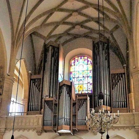 Stadtpfarrkirche: Церковь с картиной Тинторетто, а также изображением фюрера и дуче – 17
