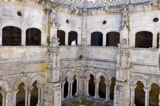 Nogueira de Ramuin, Espanha: El Parador de Santo Estevo en Ourense es uno de los establecimientos de esta red de hoteles que más me ha gustado. Un monasterio rehabilitado donde conviven el encanto del pasado con las ventajas de lo modernidad. Muy recomendable.