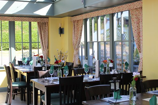 The Martlet Inn: Our light and airy conservatory is perfect for a special family meal.