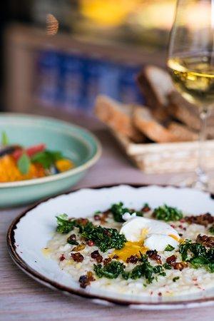 La Bottega Gastronomica: Parmesan risotto with lardo, curly kale and poached egg