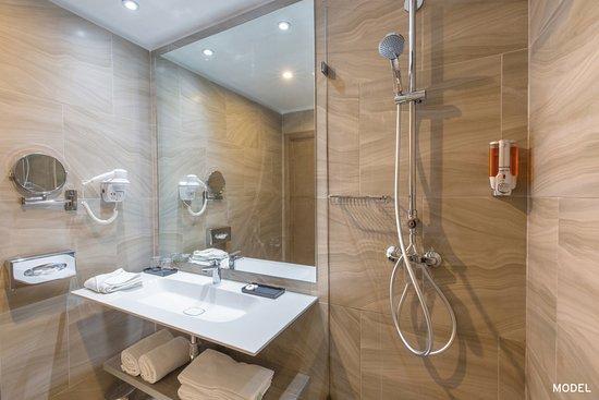 Hotel Riu Tikida Palmeraie: Double room bathroom
