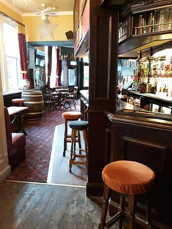 A traditional pub in the heart of Ryde.