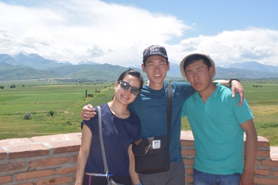 Токмак, Киргизия: On the top of the Burana tower, during the trip to Song-Kol lake with the fisitors from Singapore