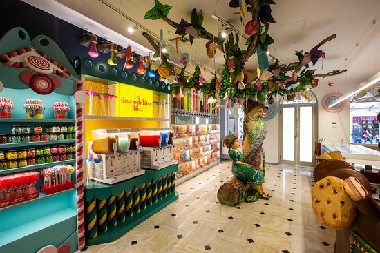 Hans & Gretel : a magic place full of colours and tastes