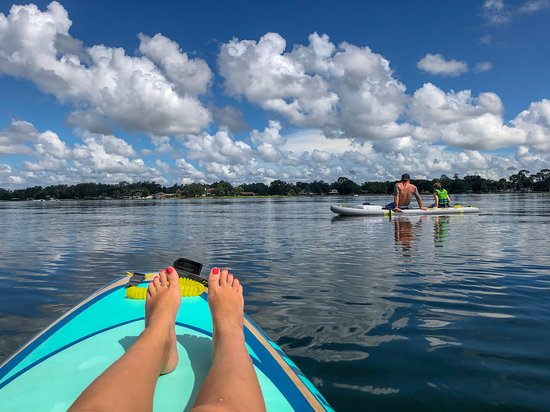 Belle Isle, ฟลอริด้า: Lake Conway paddle board rental.
