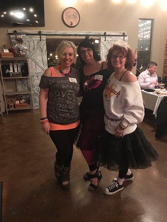 Calera, AL: 1980s theme dress-up