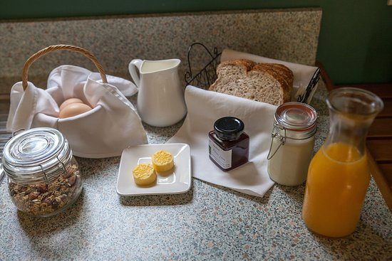 Whenuakite, New Zealand: home made breakfast provisions on request