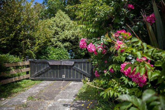 Whenuakite, New Zealand: entrance gate
