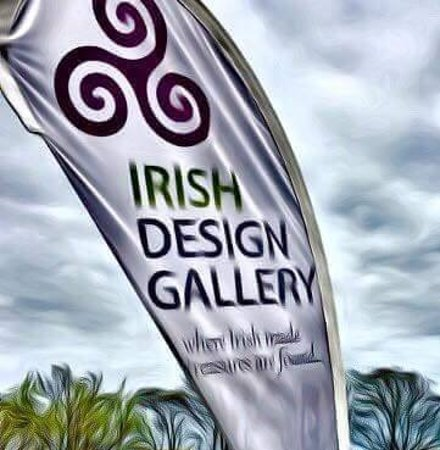 Irish Design Gallery : Flag in the wind