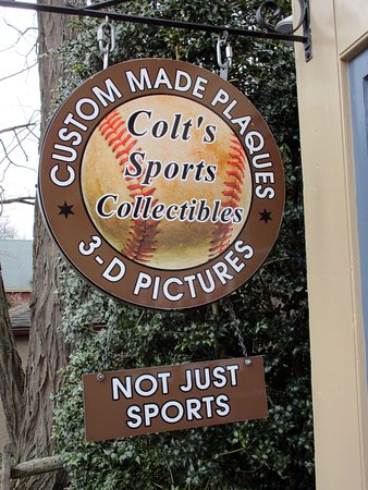 ‪Colt's Sports Collectibles‬