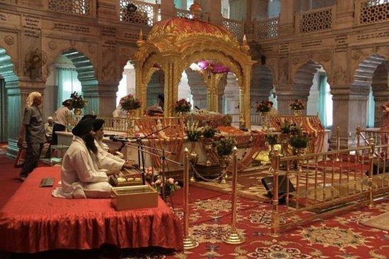 Old Delhi Tour: Sikh Temple, Spice...