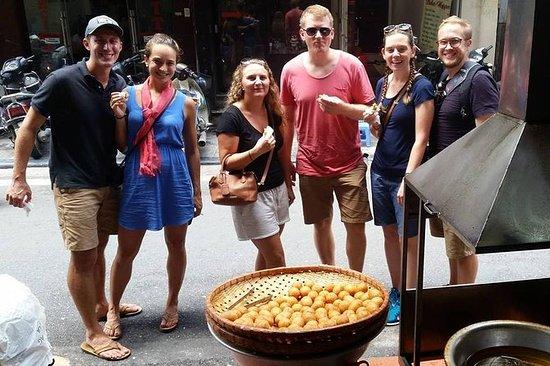 Petit-groupe de Hanoi Street Food...