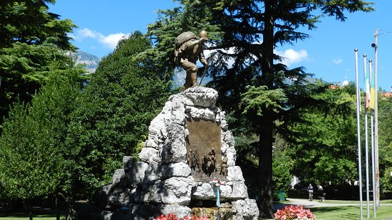 Monumento all'Alpino