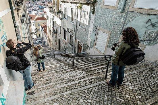 里斯本徒步旅行与摄影师
