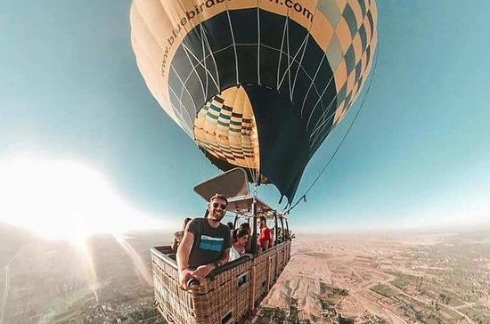 Amazing Hot Air Balloon Ridding in...