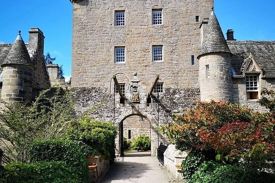 Invergordon port to Cawdor castle and...
