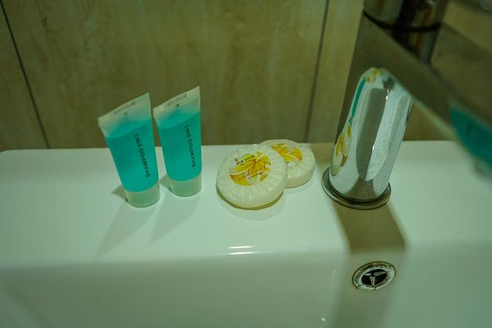 Samoana Boutique Hotel: Bathroom amenities:)