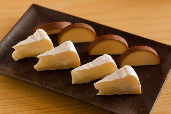 Gonpachi Nori-Temaki Harajuku: チーズ2種