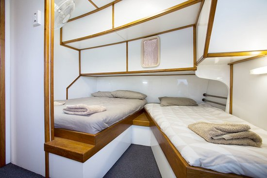 Top End Seafaris: Ensuite Room with Queen and a Single Bed