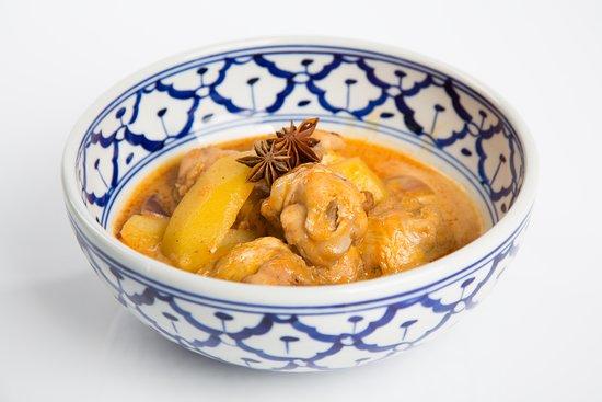Mama Thai: massa man curry