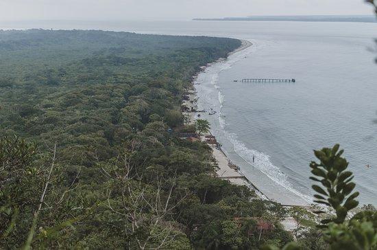 Ilha do Mel: Vista para a Praia da Fortaleza do Mirante da baleia. @claudiaback