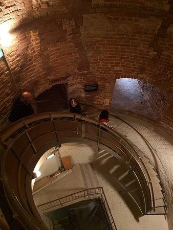 Treppenhaus mit der Wendeltreppe im Turm