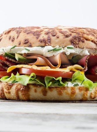 Bagel Corner: l'extreme dinde pastrami sur pain fromage