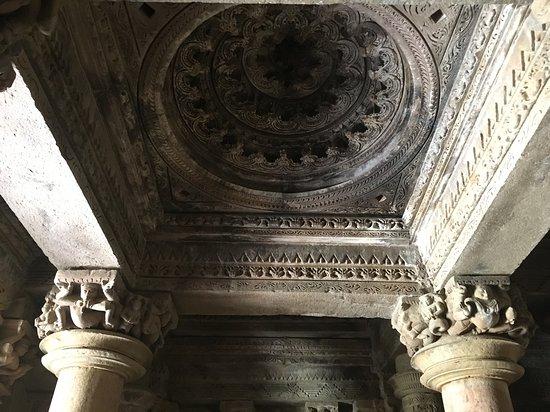 Khajuraho, India: 見上げば装飾も細かくきれい