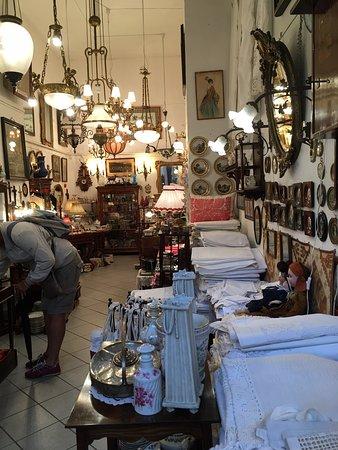 Anna's Antiques