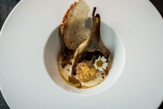Riva Restaurant: Uovo croccante, con fonduta di pecorino, carciofo e tartufo nero