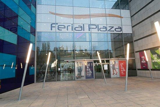 กวาดาลาจารา, สเปน: exterior Ferial Plaza