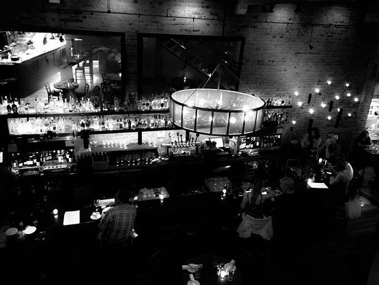900 Wall: Bar, Artisan Cocktails