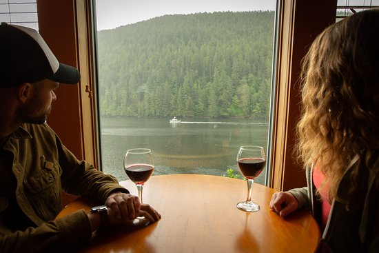 Klemtu, Canada: Enjoy your private ocean view from your room