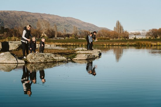 Escape into the great outdoors and experience New Zealand's Southern Lakes environment with ease.