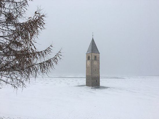 Lago di Resia صورة فوتوغرافية