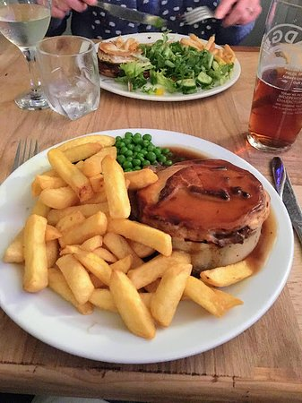 Steak pie and chips