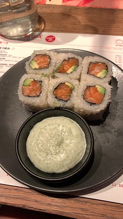 Maki Salmon & Avocado