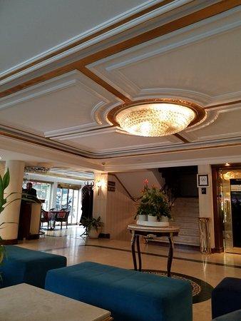 Beautiful hotel, perfect location!!