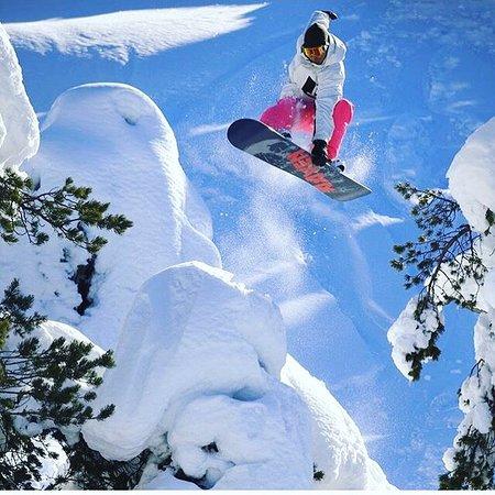High Five Snowboard School