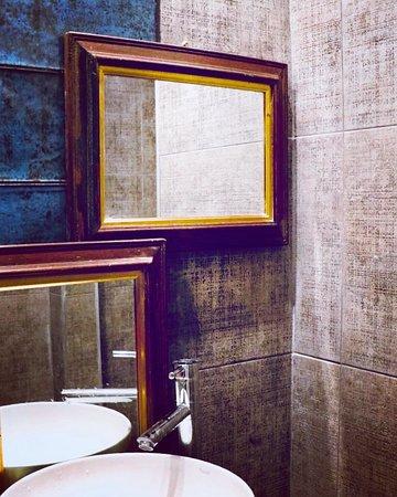 Baños, totalmente hechos a nuevo. Bathrooms, totally made new.