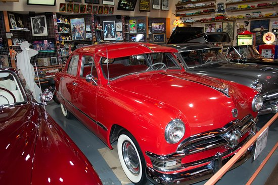 Glenrio, NM: Ford around 1949 to 51. Had a '51 myself. Not restored of course and I rolled it in a ditch!