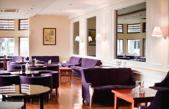 Hotel Savoy Homann: Sidewalk Cafe