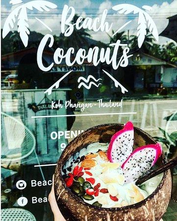 Beach Coconuts Bowls